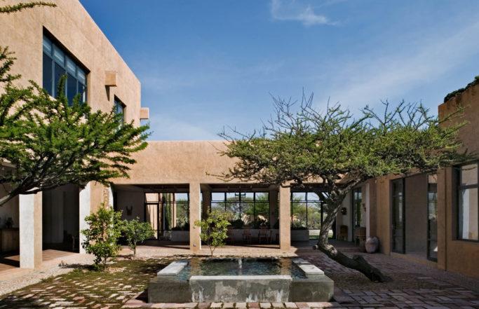 DHD-Mexico-House-Exterior-Courtyard-1