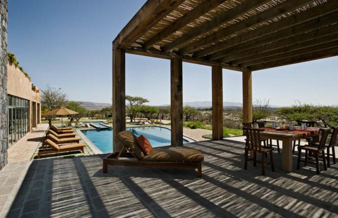 DHD-Mexico-House-Exterior-Courtyard-2